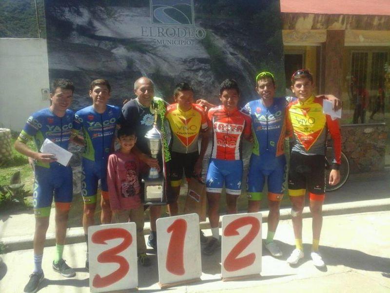 Los salteños del podio: Alcócer (1º), Ríos (2º) y Salas (der)