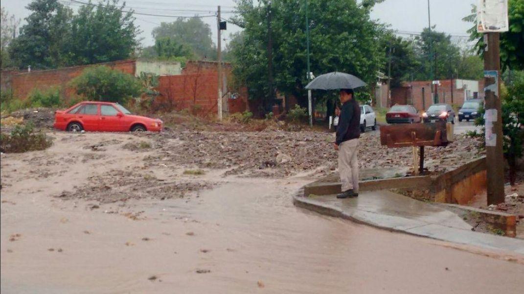 colectan ayuda para habitantes de los barrios inundables On muebles martin los barrios