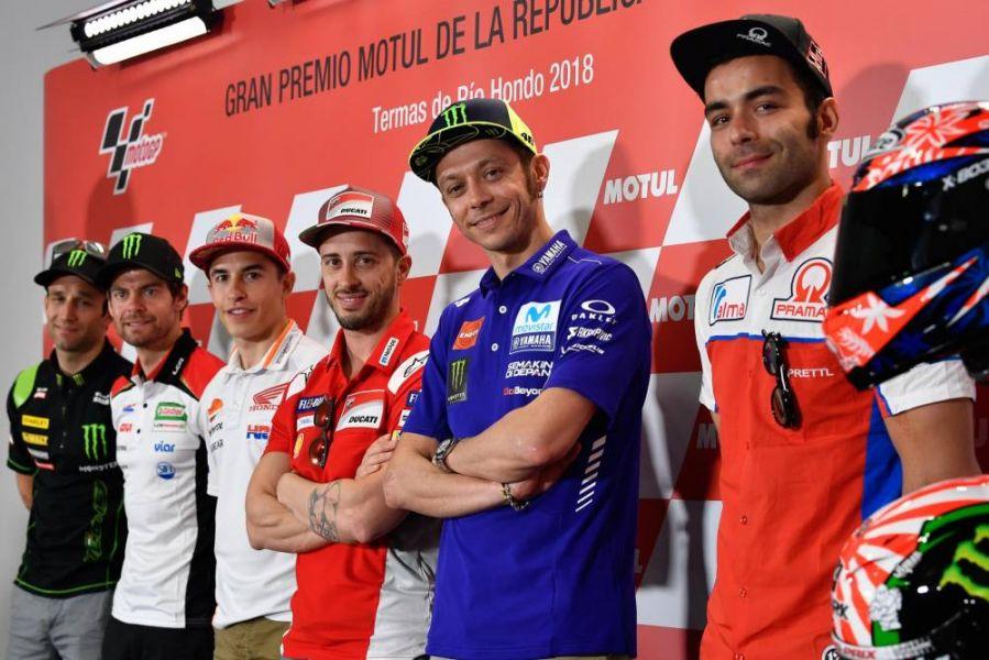 Viñales (Yamaha), Dovizioso (Ducati), Rossi (Yamaha), Marquez (Honda), Espargar (Aprilia) y Redding (Ducati).
