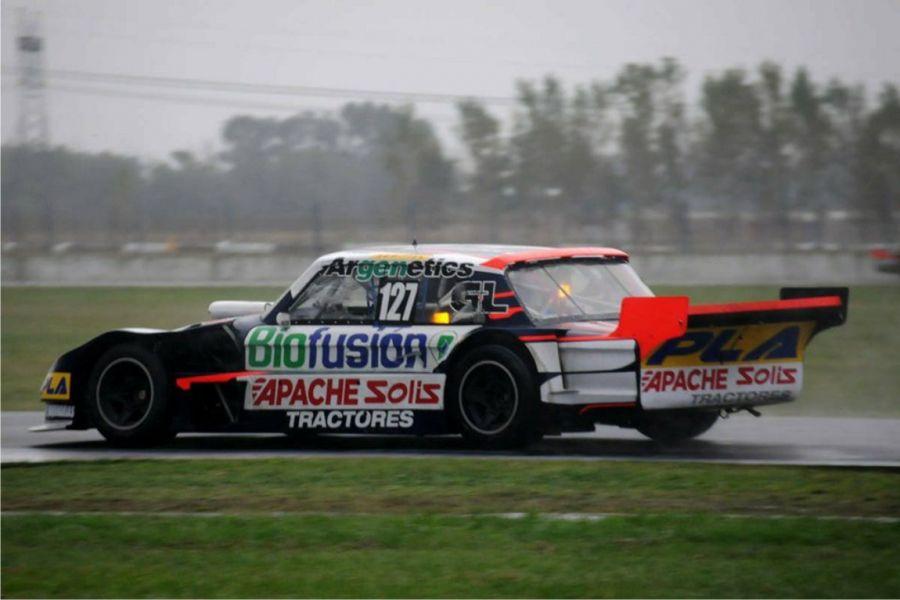 Esteban Cistola finalizó sexto bajo la lluvia en La Plata.