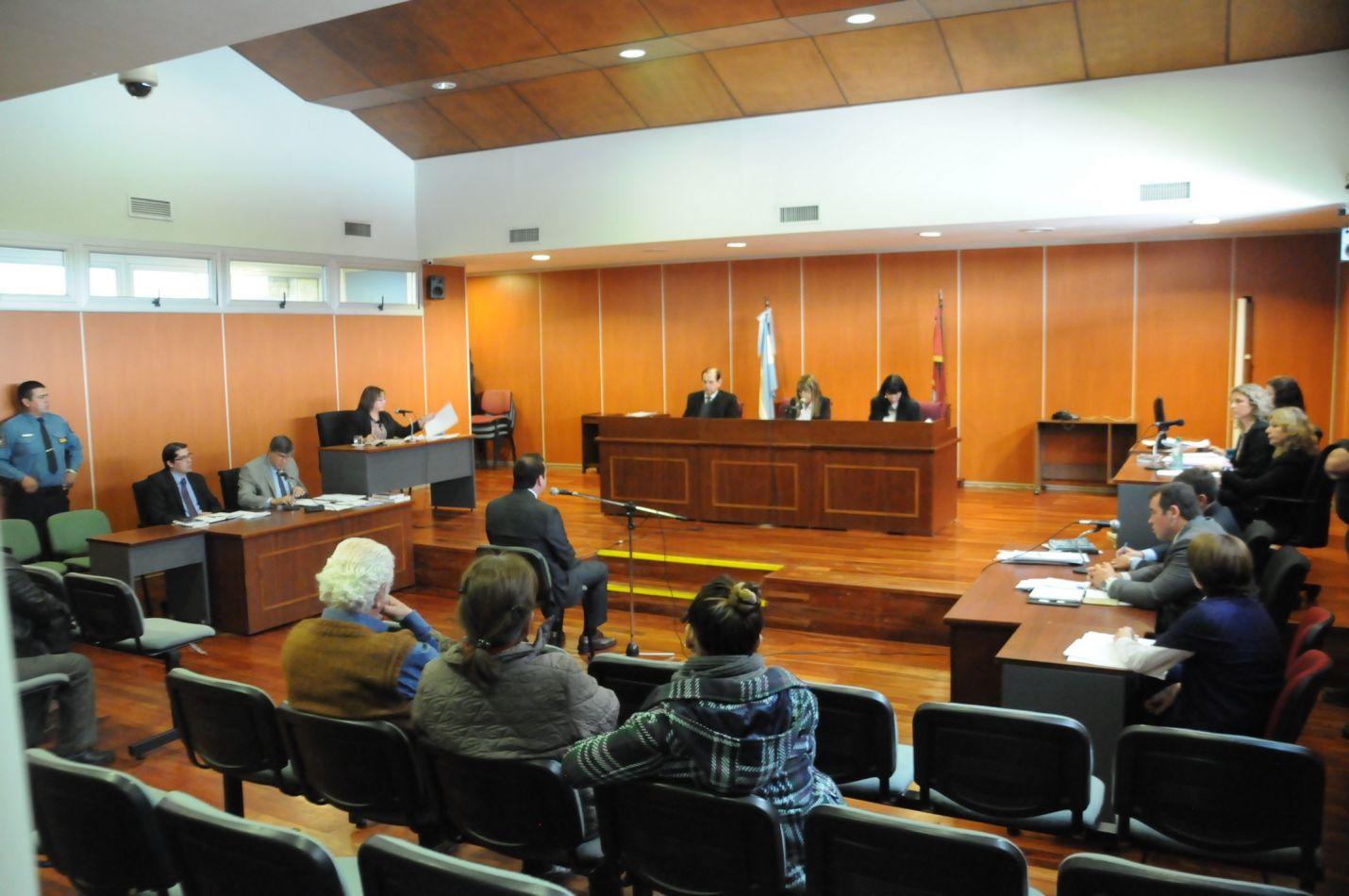 El abogado Terrón Villagrán negó en el juicio los cargos de abuso y pornografía infantil