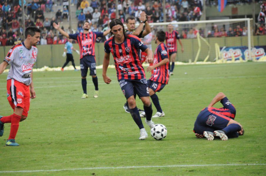 """Pablo González De Pauli, delantero de la """"Villa"""". Hay entusiasmo y optimismo para la gran final del domingo."""