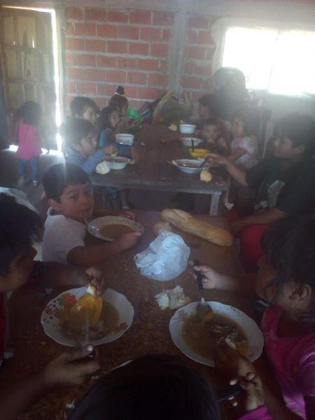 Una dramática situación vive un comedor en Apolinario Saravia que trata de mantener abierto solidariamente Marina Torres.