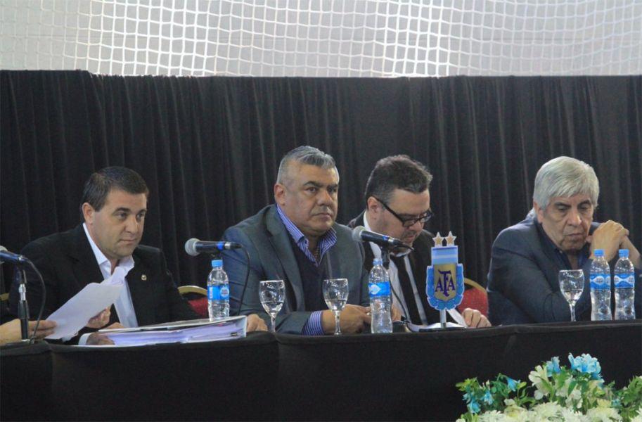 Los dirigentes de la AFA aguardarán por  las definiciones del Federal A y B Nacional para decidir cuál será el futuro de  fútbol de  ascenso.