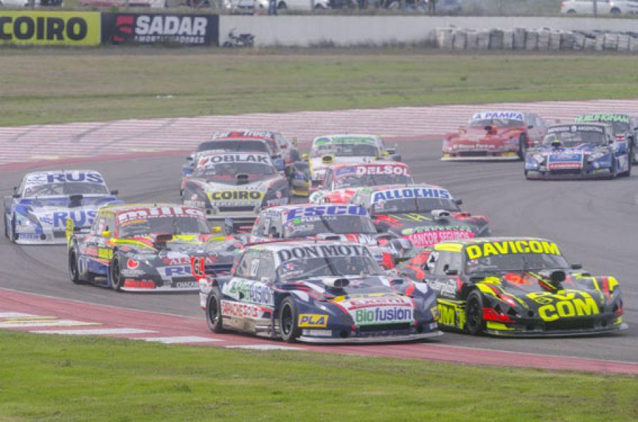 El Ford de Esteban Cístola. Ahora el salteño se ubica en el cuarto lugar del torneo.