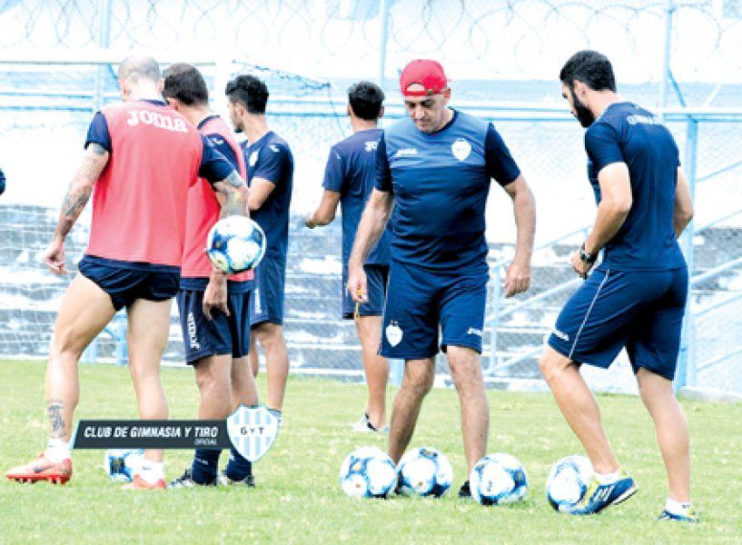 Víctor Riggio continuará al mando del plantel millonario.