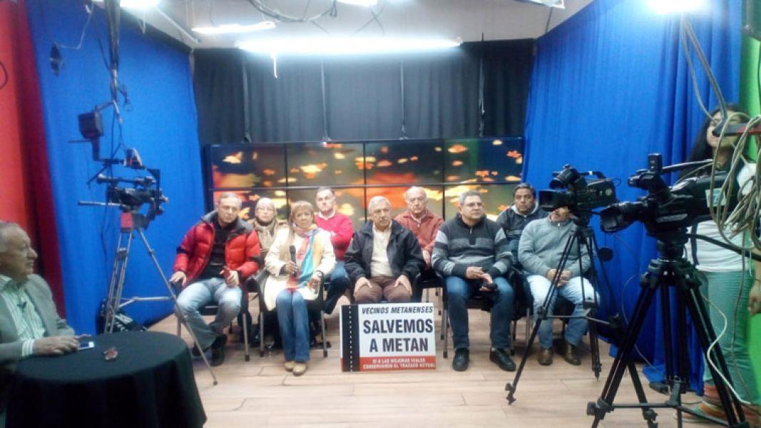 Autoconvocados de  Irigoyen, Güemes; Metán, Rosario de la Frontera y El Tala, en conferencia  de prensa en el auditorio de Canal 7 Salta.