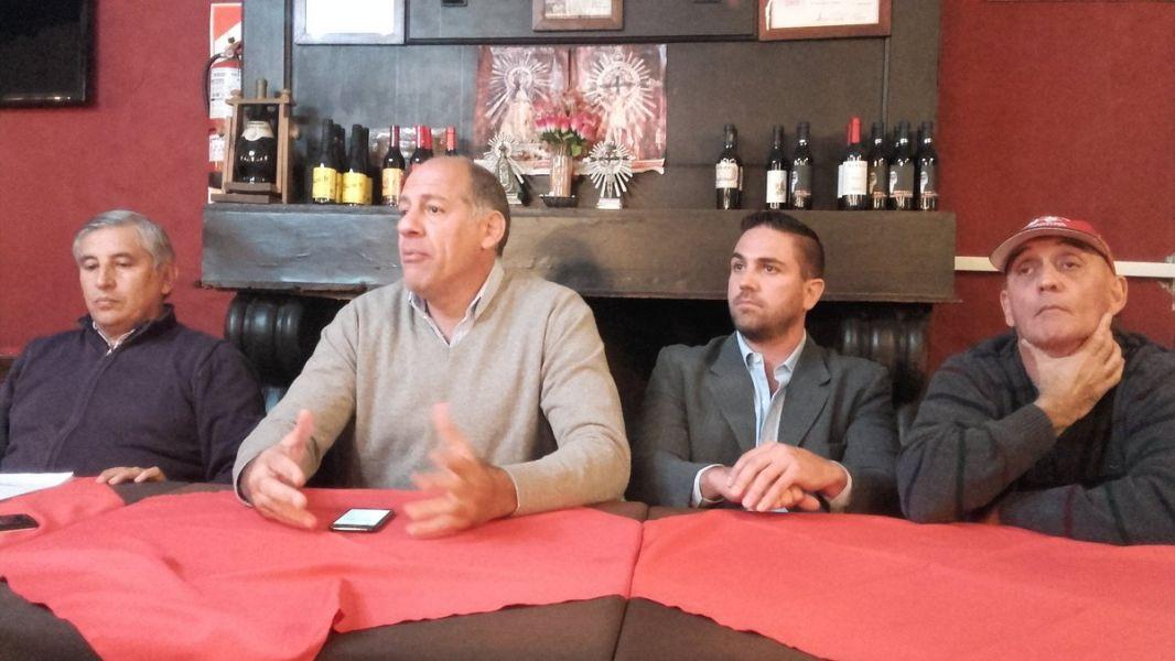 "Marcelo Mentesana, presidente ""Albo"", encabezó la  conferencia. Gentileza: @gytoficial"