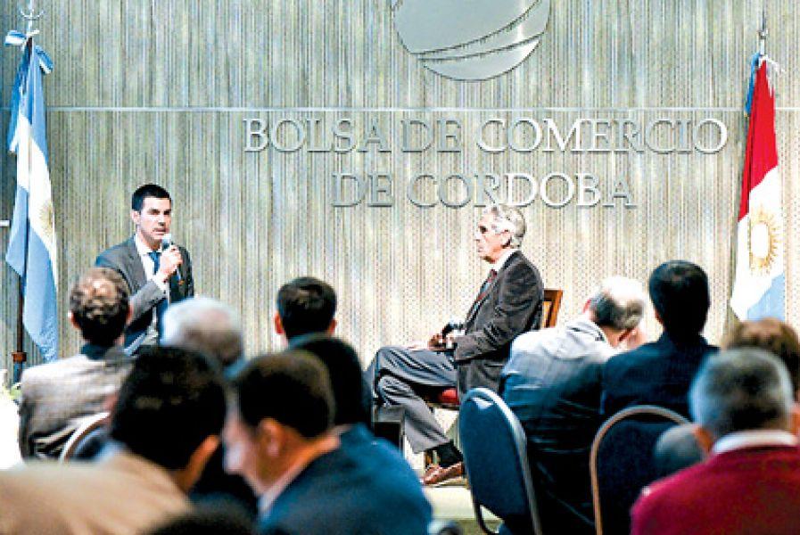 Un centenar de empresarios del país  presenciaron la exposición del gobernador Urtubey en la Bolsa de Comercio de Córdoba.