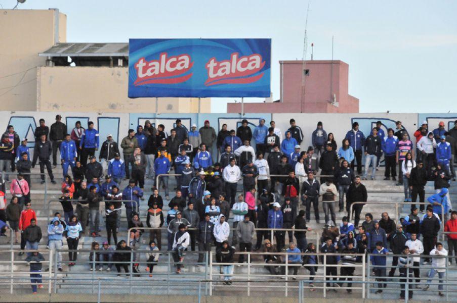 """El club """"Albo"""" convoca a los hinchas de Gimnasia a aportar como socios del fútbol."""