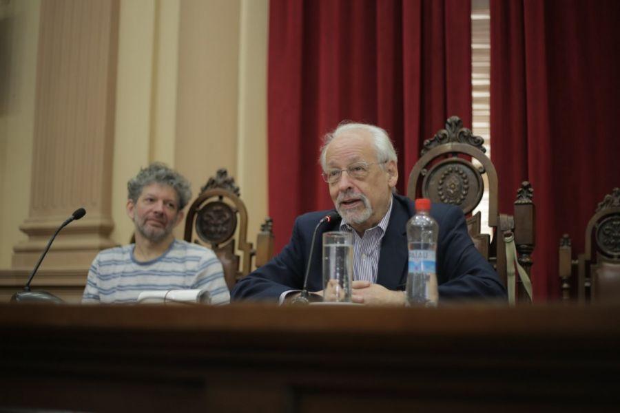 """Horacio Verbitsky en la presentación de su libro """"Vida de Perro"""" en la Legislatura de Salta."""