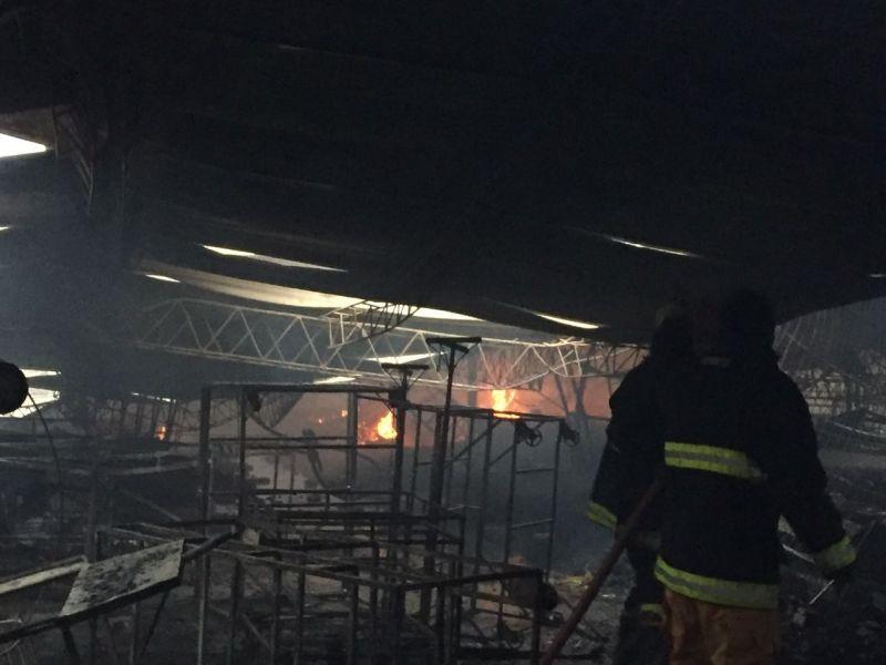 Mercado campesino de Yacuiba totalmente destruido