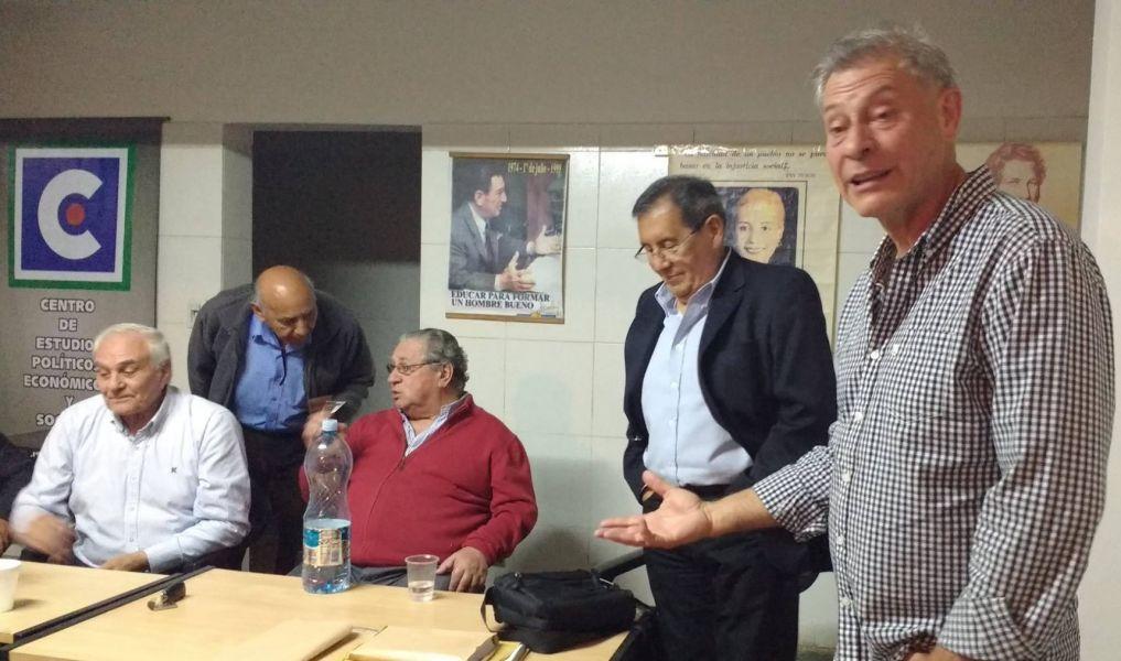 Walter Wayar y algunos de los referentes del denominado Frente de Agrupaciones Peronistas de Salta (FAPSa) irán a las internas del PJ.
