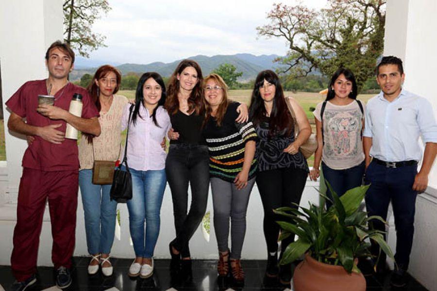 La esposa del Gobernador, Isabel Macedo se reunió con proteccionistas e integrantes del programa Tu Casa, Tu Perro.