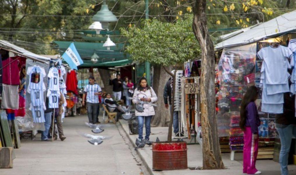 Durante el Milagro, los vendedores ambulantes pagaron un derecho de piso muy alto, las ventas fueron baja y sólo obtuvieron pérdidas.