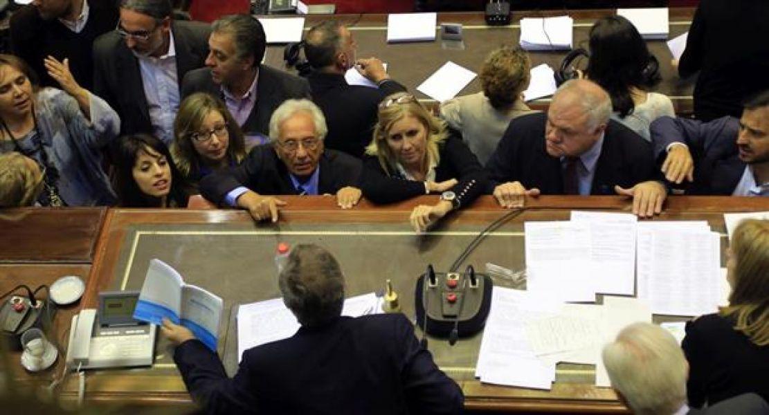 Tras tenso debate en Diputados, oposición no pudo avanzar con proyectos por tarifazo