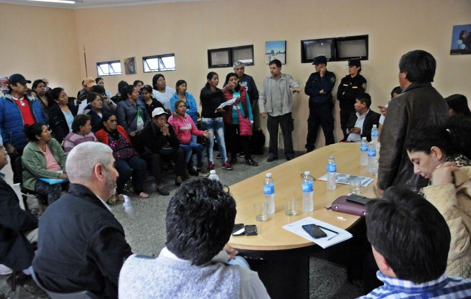Dirigentes de la comunidad guaraní son recibidos por funcionarios provinciales. NDS