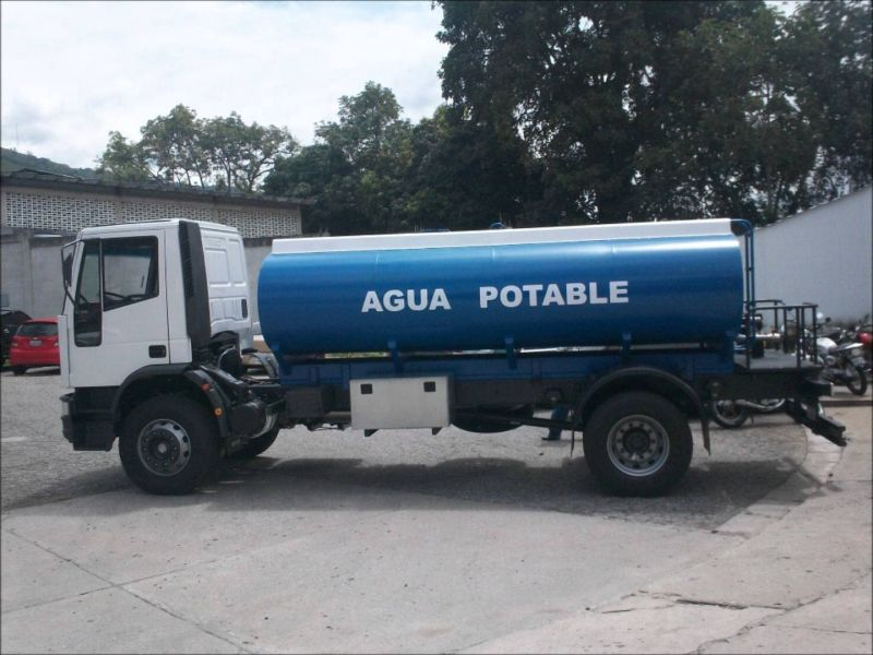 Consiguieron 7 camiones cisterna para abastecer a 120 mil for Lo espejo 0847 la cisterna