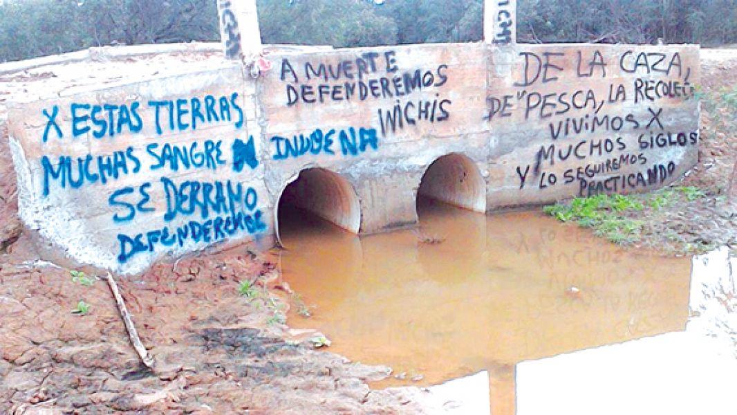 Comunidades wichi de Rivadavia Banda Sur están inmersas en disputas conflicto por tierras y alambrados.