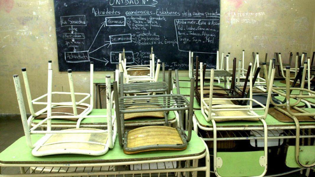 El Gobierno y los gremios dieron relevamientos contratantes sobre el acatamiento del paro docente en Salta.
