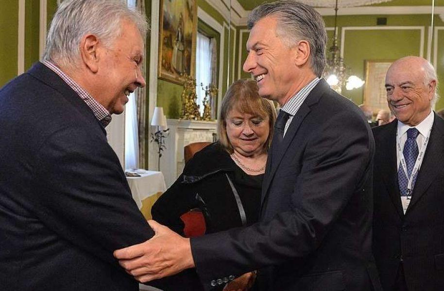 Felipe González niega haberle preguntado a Macri ¿Cuándo va presa Cristina? según escribió el periodistas Marcelo Bonelli.