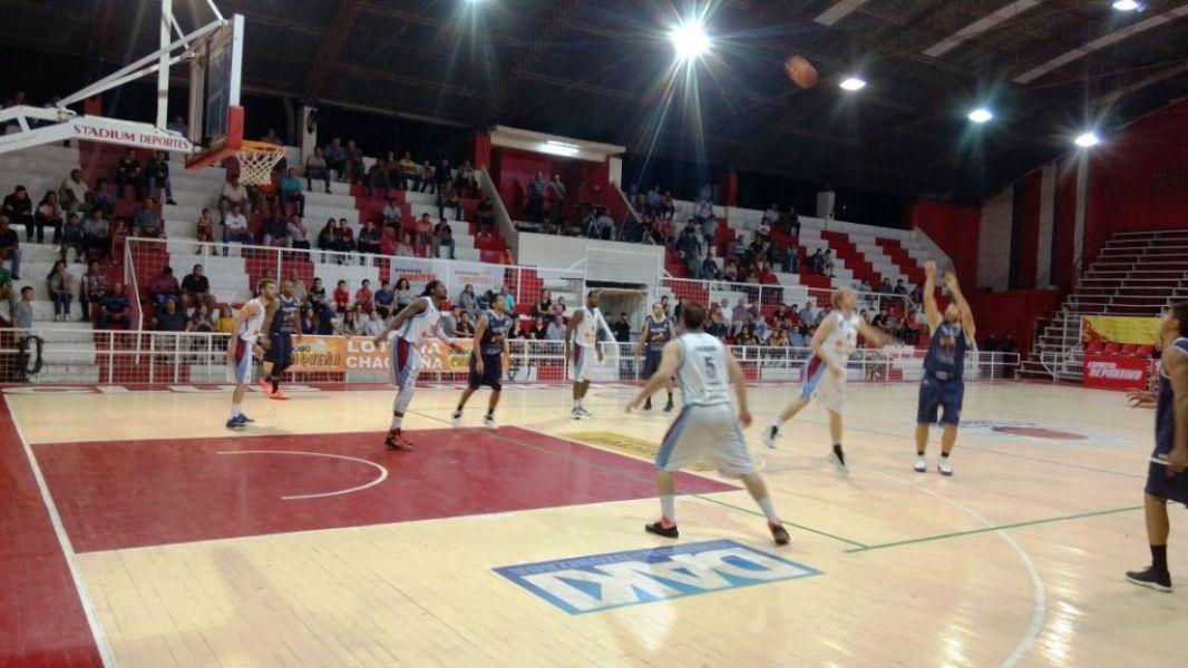 Salta Basket no pudo ante Villa Angela.