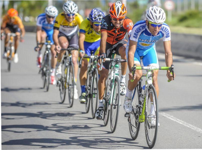 El ciclismo de ruta larga hoy a las 14 en la Circunvalación Sureste.