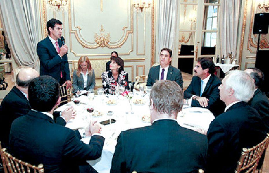 Urtubey en el almuerzo se refirió a la potencialidad de Salta para atraer inversiones desde Suiza.