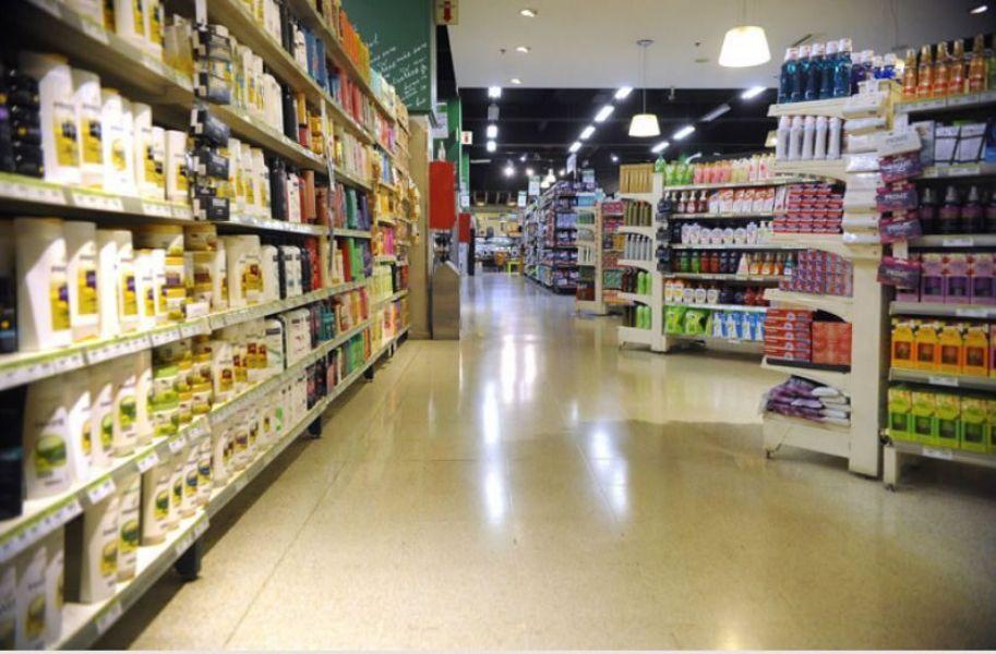 En términos reales, las ventas en los supermercados cayeron alrededor de un 18%.