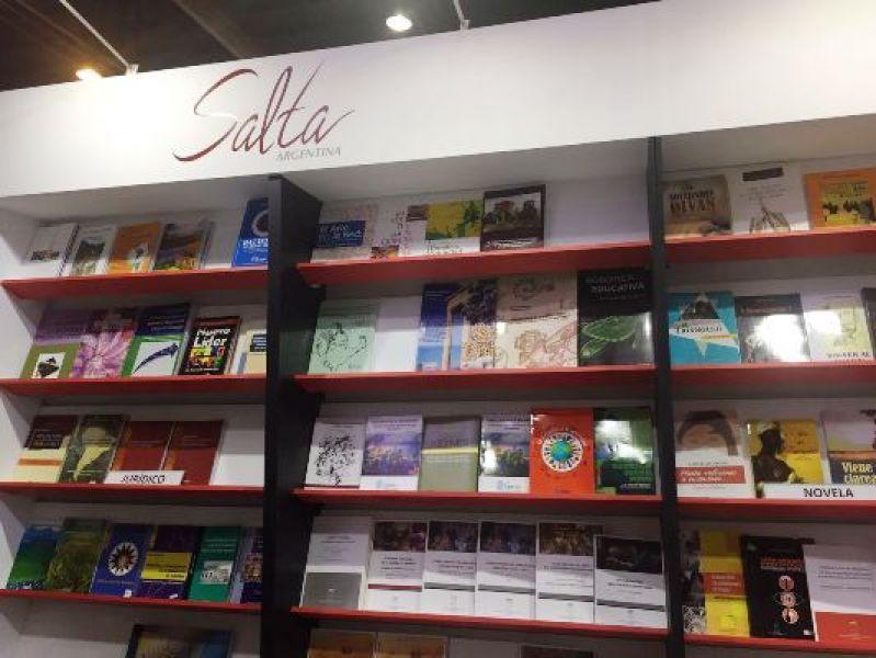 300 autores salteños y más de 1.500 ejemplares, en el stand de la Provincia.