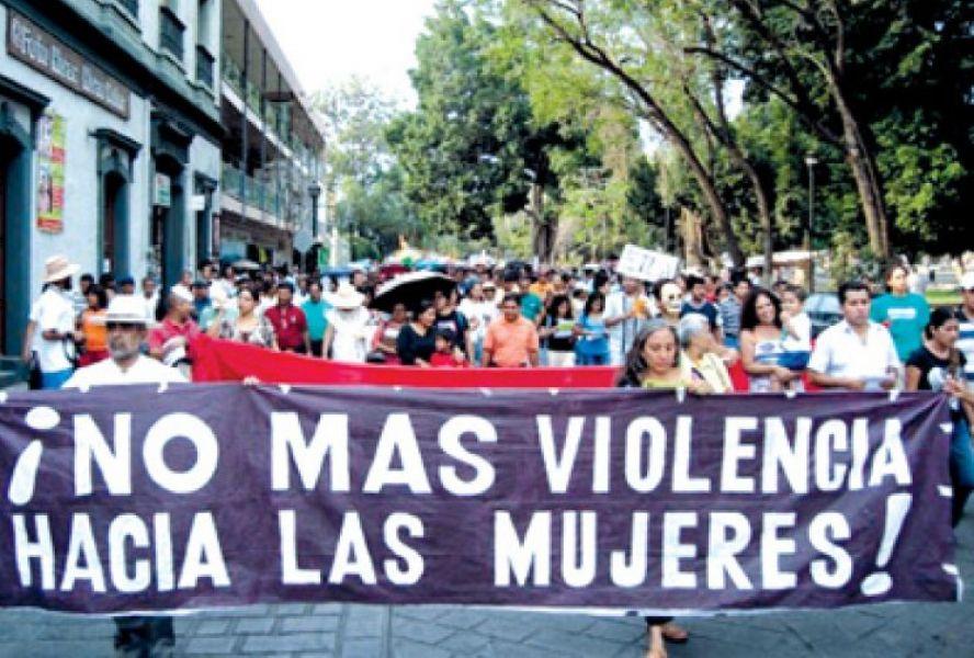 Una nueva manifestación contra la violencia machista. Ya son 10 los casos de femicidio en Salta en lo que va del año.