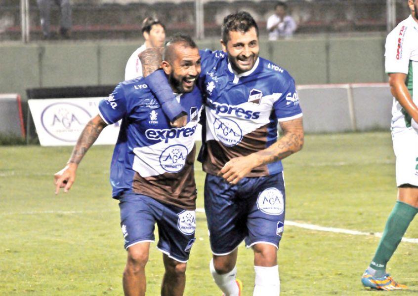 Balvorín reaparecerá en el ataque junto al Ratón Ibáñez.
