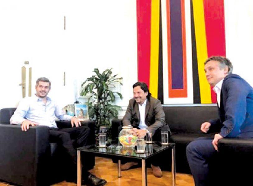Marcos Peña, Gustavo Sáenz y Fernando de Andreis en una reunión para conformar un frente con Cambiemos.