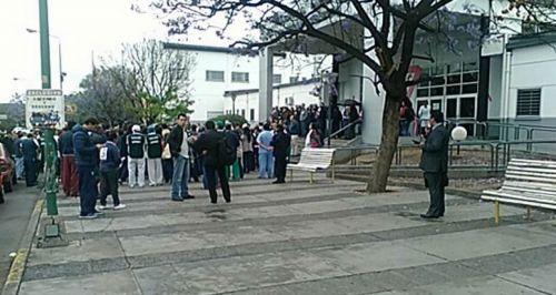 Médicos, familiares y personal del Materno Infantil se manifestaron contra la condena a Pereira.