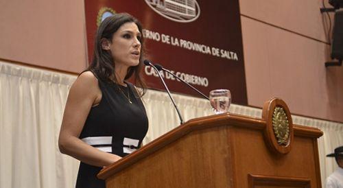 La ministra Pamela Calleti, dio precisiones sobre el sistema de monitoreo de violentos.