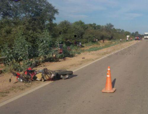 En la ruta 81, luegar donde se produjo el accidente fatal, en cercanías de Los Blancos, en Rivadavia.