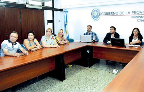Se produjo ayer una nueva reunión entres partes, pero aún no se avizora un acuerdo en las negociaciones salariales.