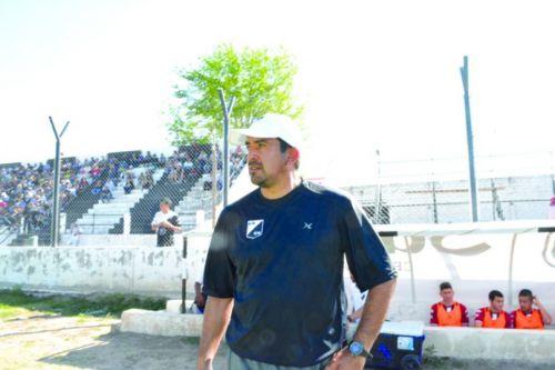 Norberto Acosta, entrenador de Central Norte.