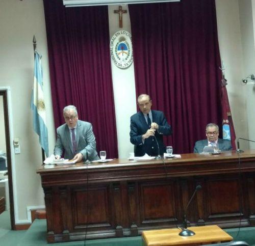 El Tribunal Oral Federal que juzga al ex juez Raúl Reynoso, está integrado por Federico Díaz, centro, Carlos Jiménez (izq) y Casas.