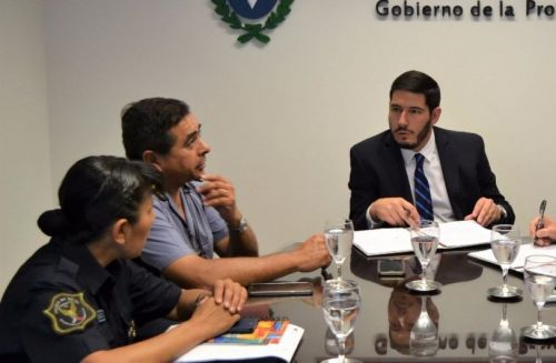 El ministro Carlos Oliver pidió la baja del efectivo.
