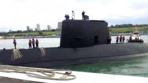 Los 44 tripulantes del submarino ARA San Juan, desaparecido hace ocho días, probablemente tras una explosión.