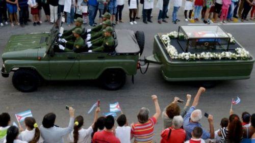 """Multitudinario fue el acto ayer en la Plaza """"Antonio Maceo"""" de Santiago de Cuba."""