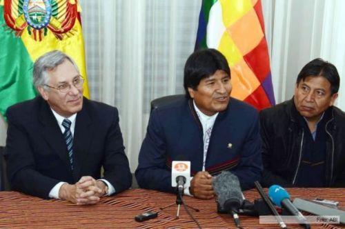 El mandatario Evo Morales presentó la memoria de Bolivia ante la CIJ en el contencioso iniciado contra Chile en 2013.