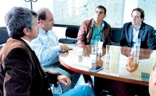 Reunión celebrada entre Villada, López y representantes del sector turistico.