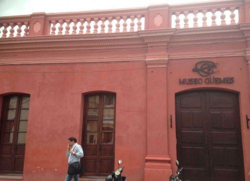 El formulario para acceder a las visitas guiadas del Museo Guemes se puede descargar de www.turismosalta.gov.ar.