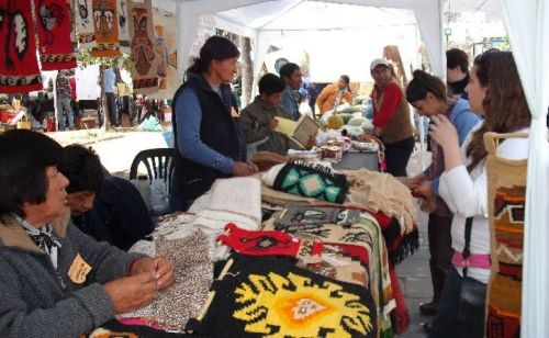 Las ferias artesanales convocan a numerosos visitantes que cada semana se sorprenden con la creatividad e ingenio.