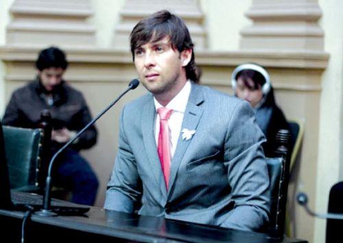 Diputado Emanuel Sierra (Metán-PJ), autor de la iniciativa legislativa sobre acoso callejero.