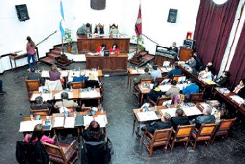 El CD criticó al gobierno nacional y provincial, por los recortes del PAMI y el incremento de las tarifas de energía eléctrica de Salta.