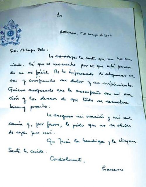 El miércoles último, la dirigente de la Tupac Amaru, Milagro Sala recibió la carta del Papa con fecha 5 de mayo.