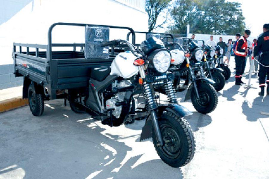 Las primeras motocargas tienen capacidad para transportar hasta 875 kilos, ya se encuentran en el CCM.